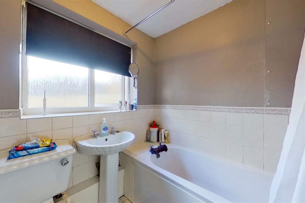2 bed semi-detached house for sale in Kingsnorth Road, Kingsnorth, Ashford  - Property Image 8