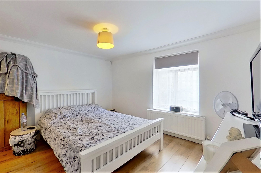 2 bed semi-detached house for sale in Kingsnorth Road, Kingsnorth, Ashford  - Property Image 9