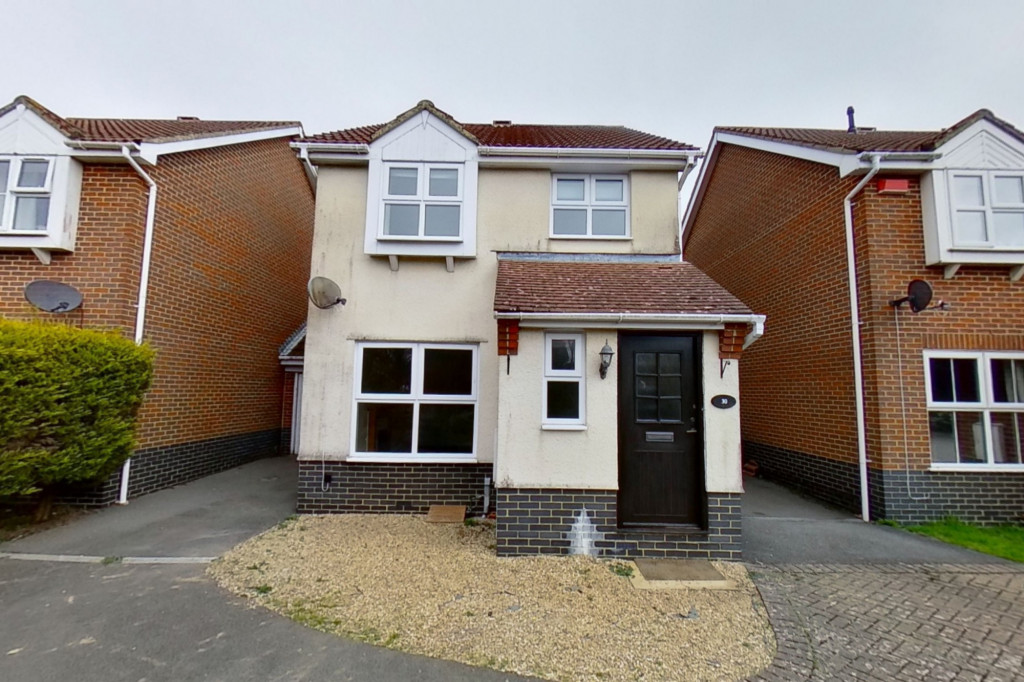 3 bed detached house for sale in Hawthorn Road, Kingsnorth, Ashford  - Property Image 1