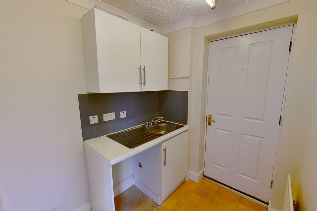 3 bed detached house for sale in Hawthorn Road, Kingsnorth, Ashford 5