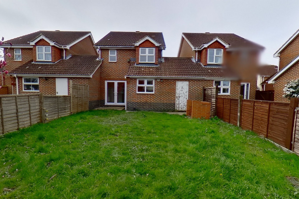 3 bed detached house for sale in Hawthorn Road, Kingsnorth, Ashford 10