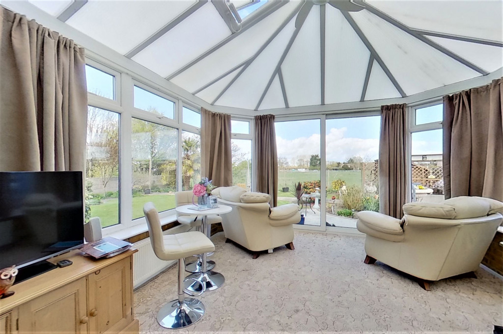3 bed bungalow for sale in Montrose, Spitalfield Lane, New Romney - Property Image 1