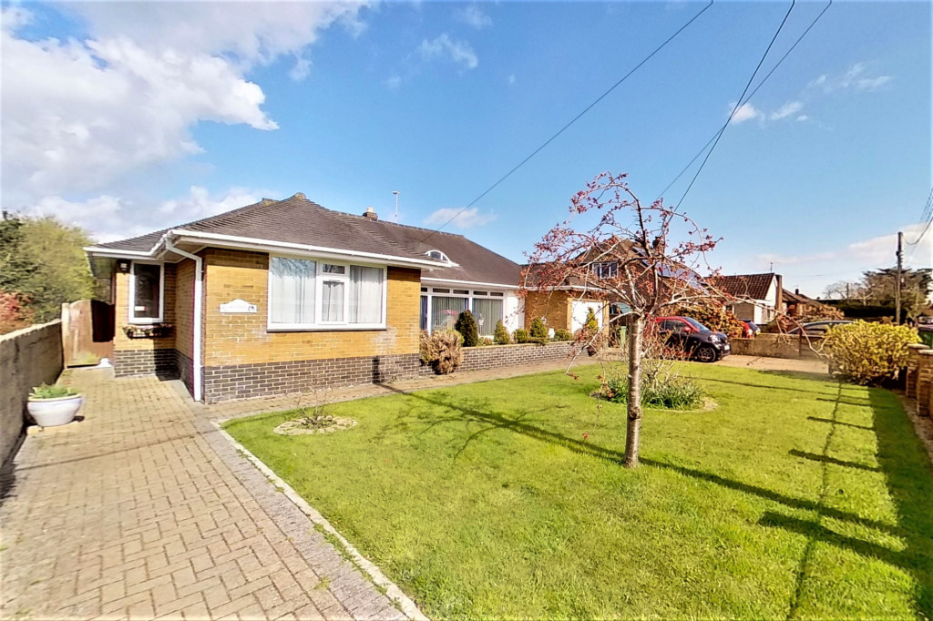3 bed bungalow for sale in Montrose, Spitalfield Lane, New Romney  - Property Image 2