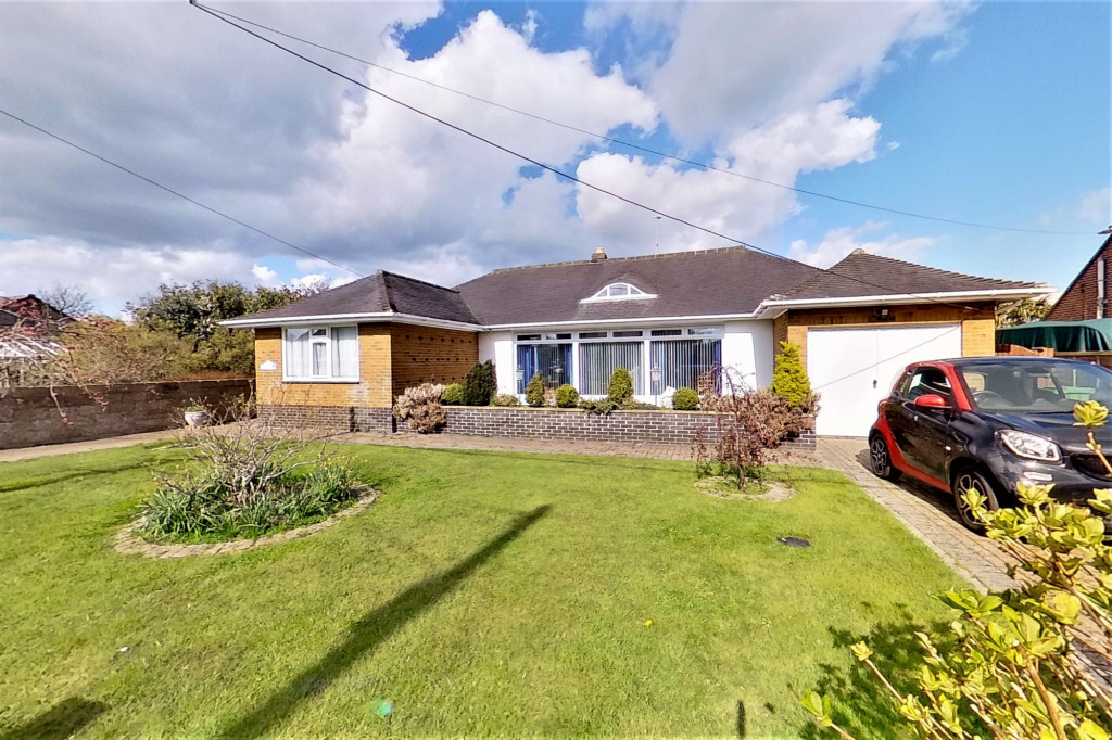 3 bed bungalow for sale in Montrose, Spitalfield Lane, New Romney  - Property Image 3