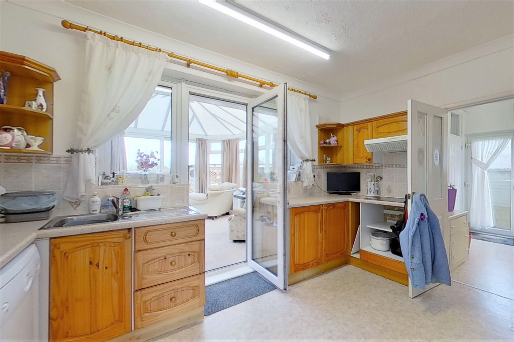 3 bed bungalow for sale in Montrose, Spitalfield Lane, New Romney  - Property Image 8