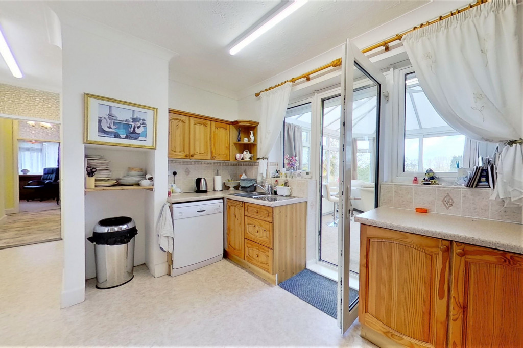 3 bed bungalow for sale in Montrose, Spitalfield Lane, New Romney  - Property Image 9
