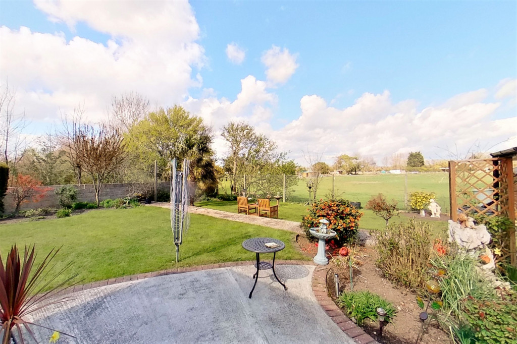 3 bed bungalow for sale in Montrose, Spitalfield Lane, New Romney  - Property Image 15