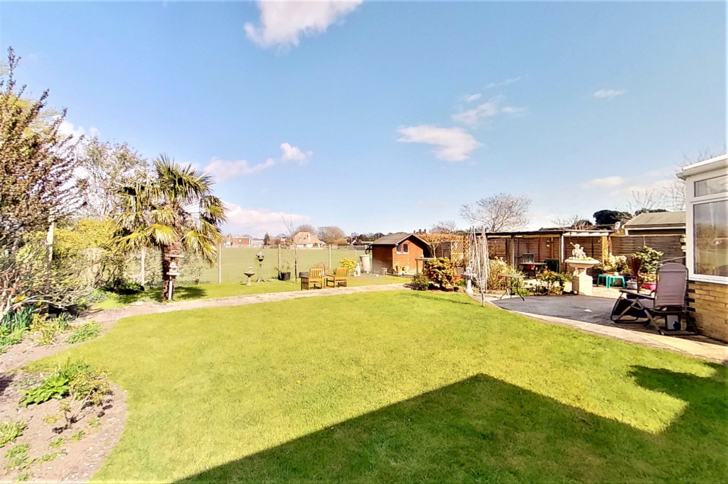 3 bed bungalow for sale in Montrose, Spitalfield Lane, New Romney  - Property Image 16