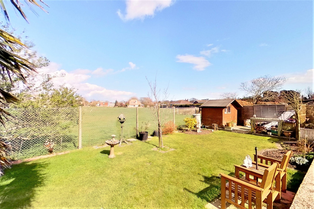 3 bed bungalow for sale in Montrose, Spitalfield Lane, New Romney  - Property Image 17