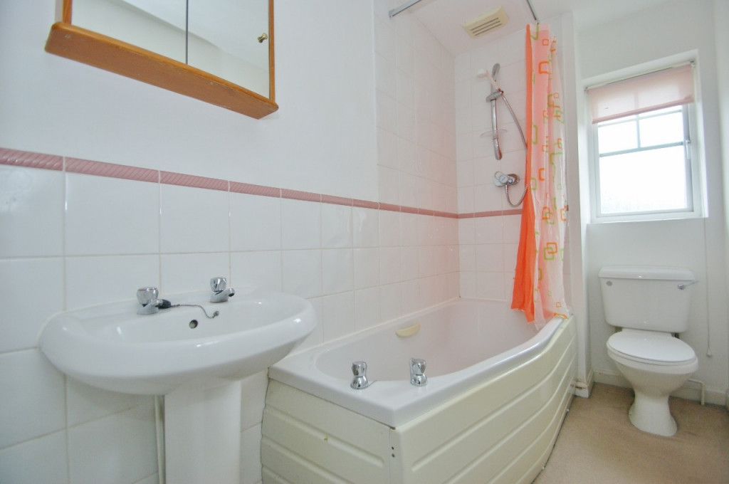 2 bed semi-detached house for sale in Gordon Close, Ashford  - Property Image 6