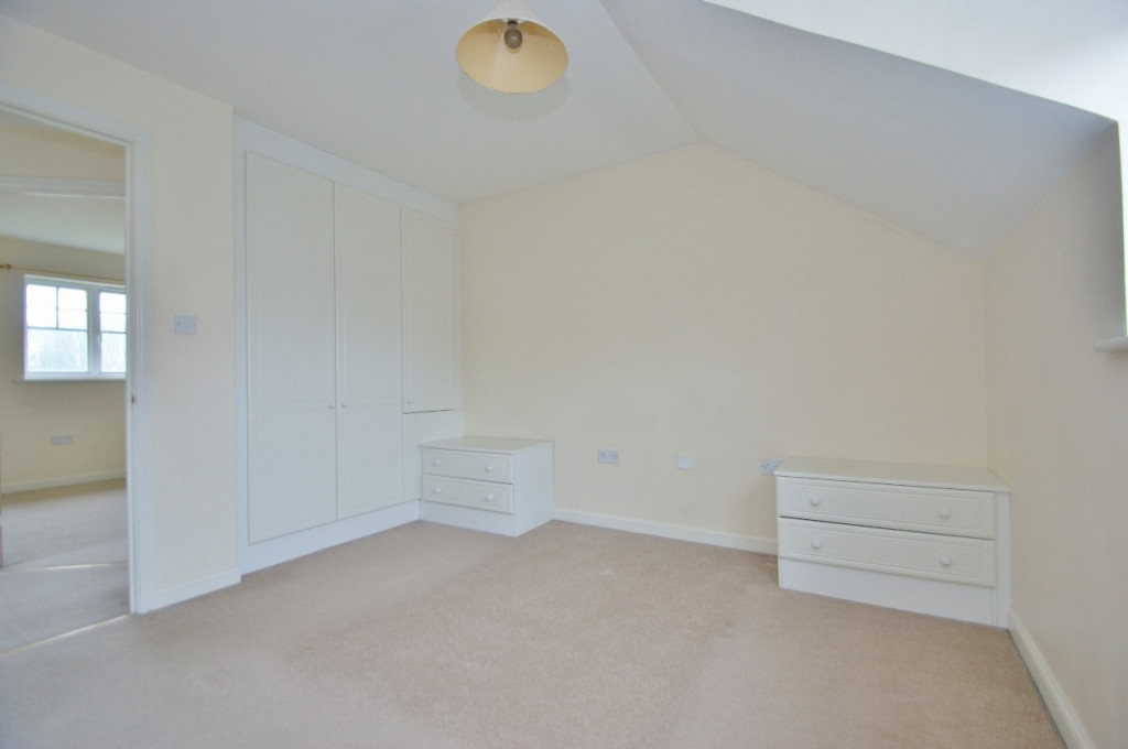2 bed semi-detached house for sale in Gordon Close, Ashford 6