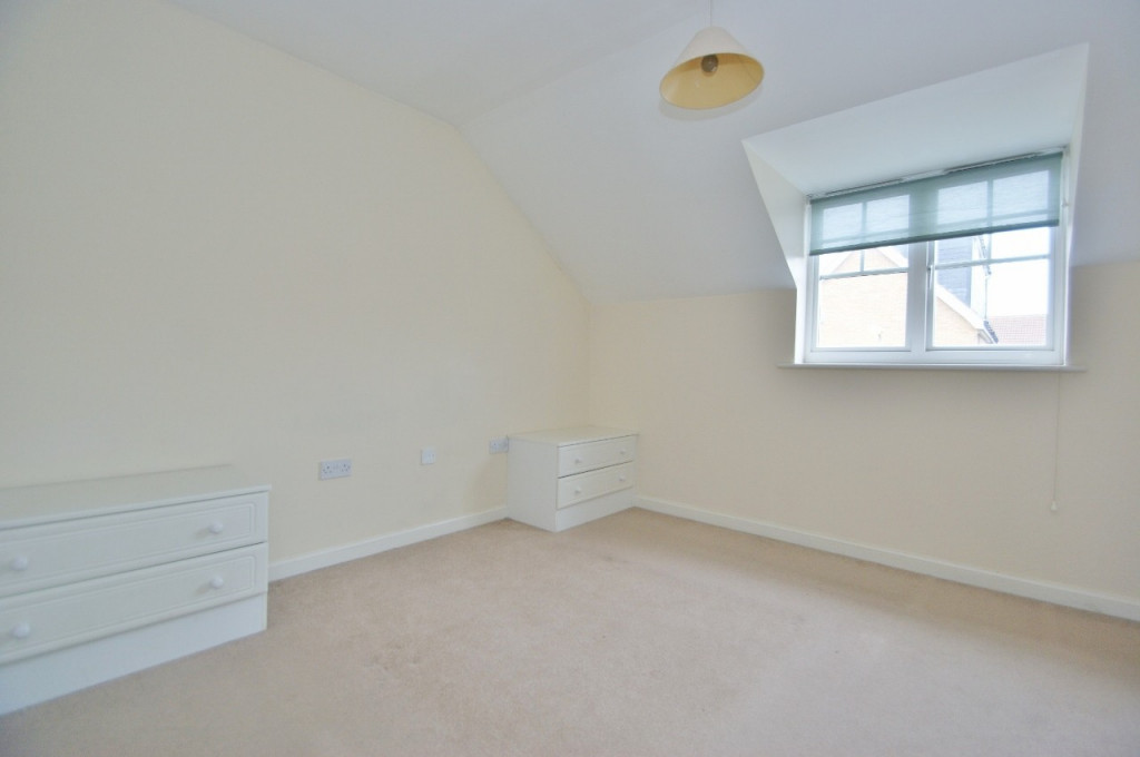 2 bed semi-detached house for sale in Gordon Close, Ashford  - Property Image 8