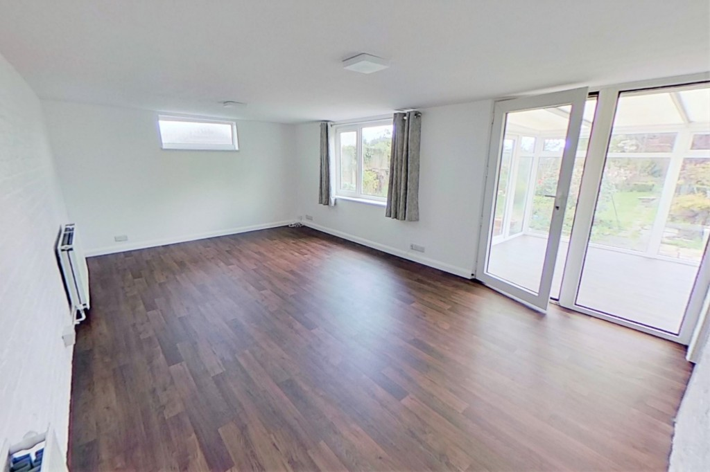 3 bed bungalow to rent in Remus, London Road, Dunkirk, Faversham 1