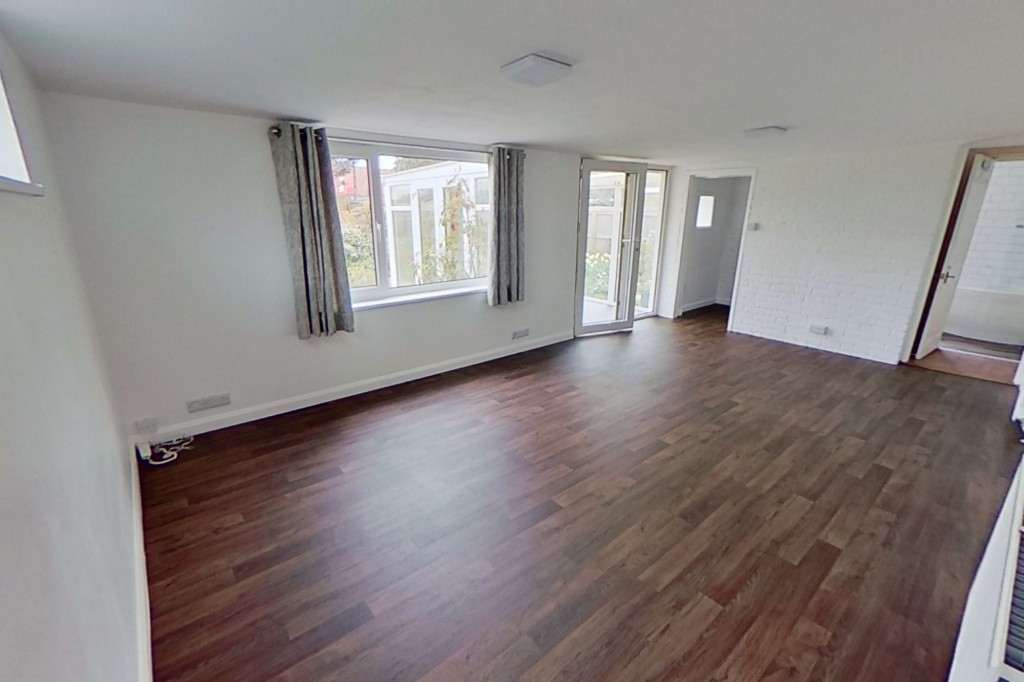 3 bed bungalow to rent in Remus, London Road, Dunkirk, Faversham 2