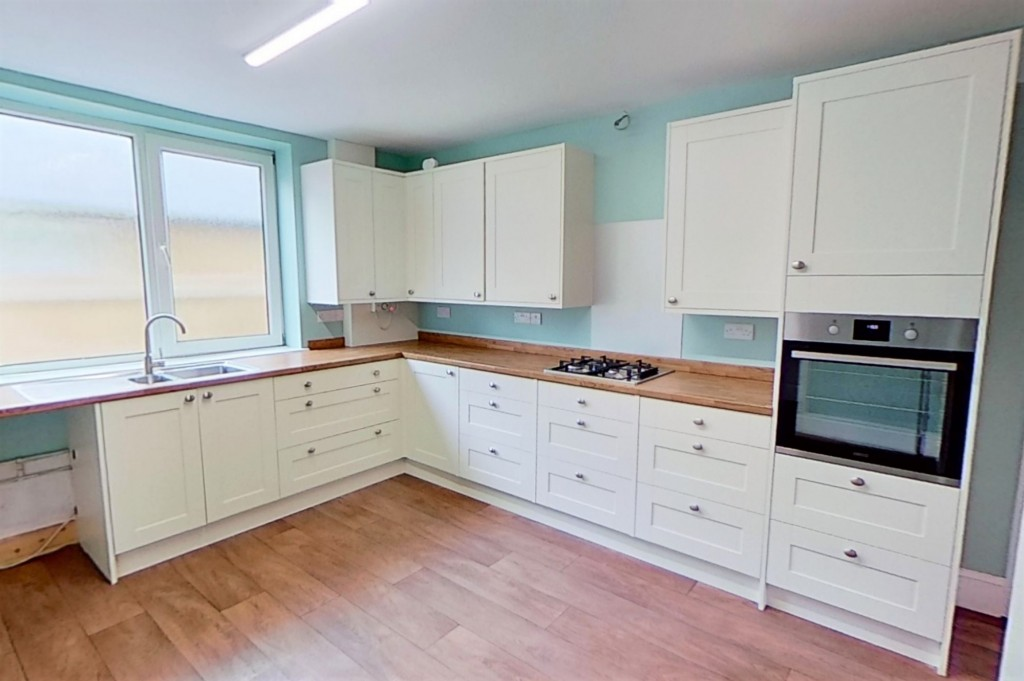 3 bed bungalow to rent in Remus, London Road, Dunkirk, Faversham 4