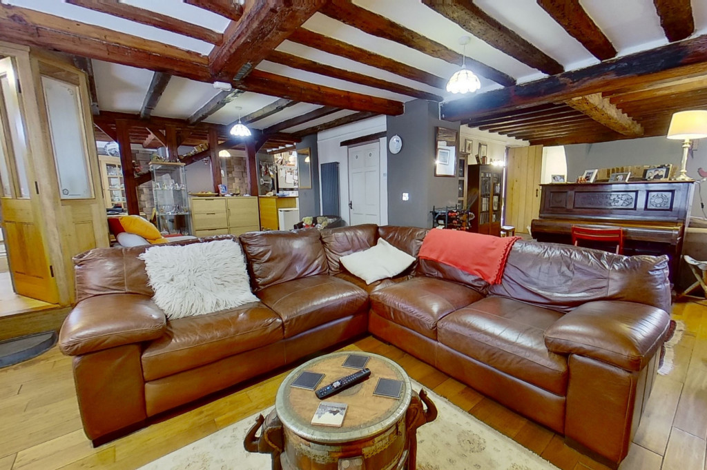 6 bed detached house for sale in Stoke Road, Allhallows, Rochester  - Property Image 1