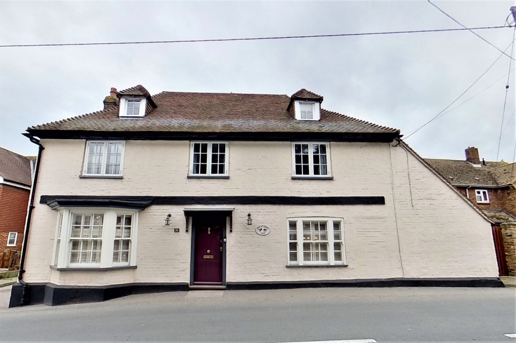 6 bed detached house for sale in Stoke Road, Allhallows, Rochester 1