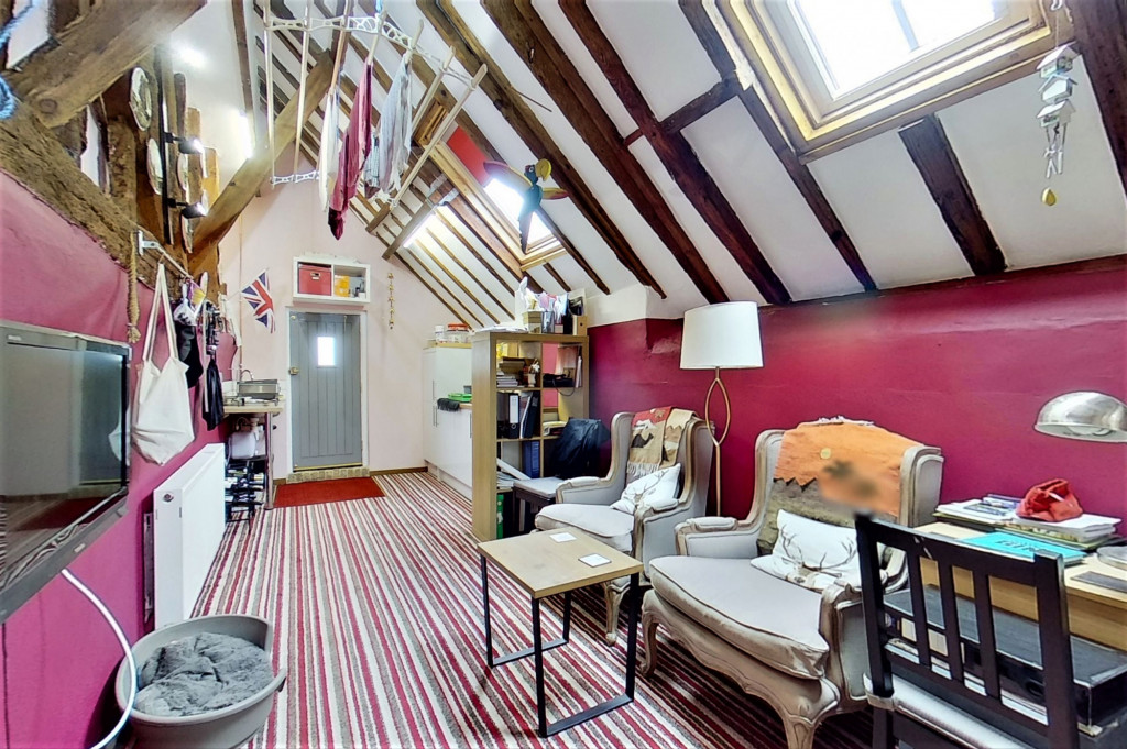 6 bed detached house for sale in Stoke Road, Allhallows, Rochester  - Property Image 9