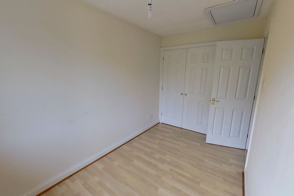 2 bed terraced house for sale in Manor House Drive, Kingsnorth, Ashford  - Property Image 6