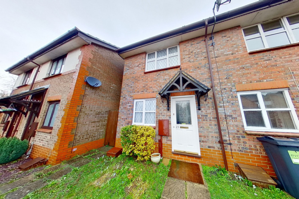 2 bed end of terrace house for sale in New Rectory Lane, Kingsnorth, Ashford  - Property Image 1