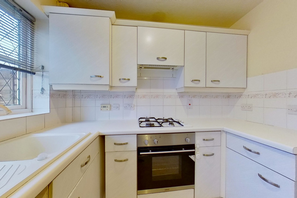 2 bed end of terrace house for sale in New Rectory Lane, Kingsnorth, Ashford 4