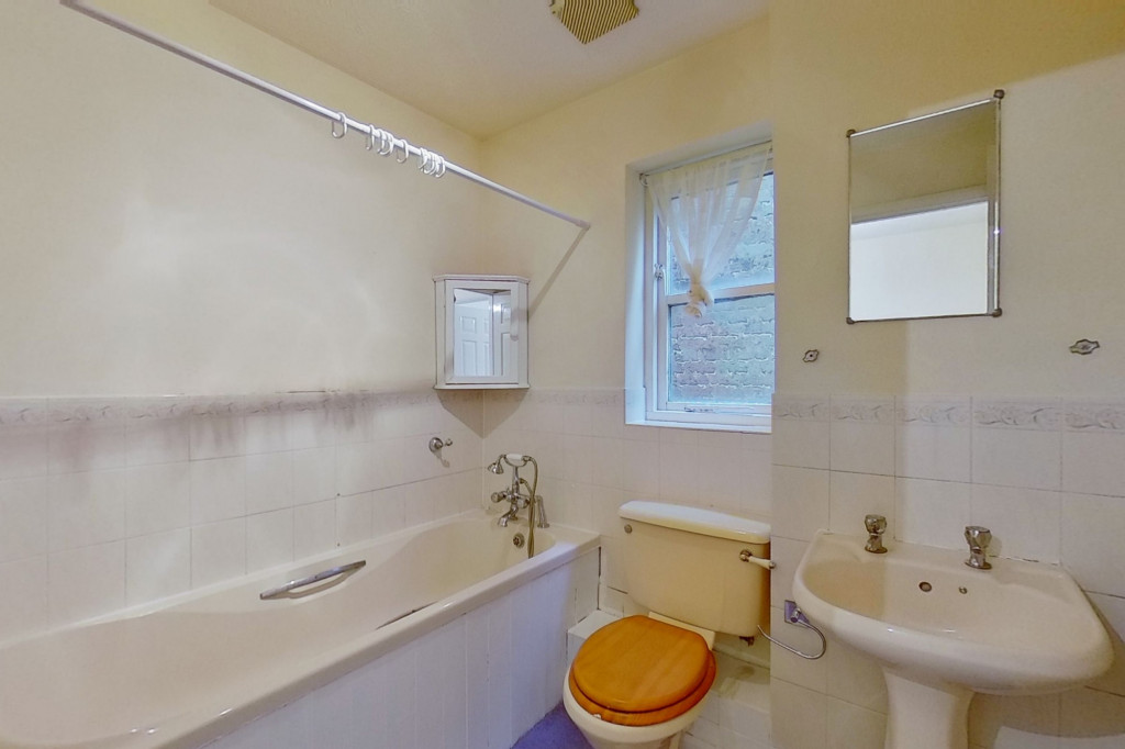 2 bed end of terrace house for sale in New Rectory Lane, Kingsnorth, Ashford  - Property Image 8