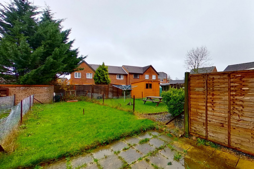 2 bed end of terrace house for sale in New Rectory Lane, Kingsnorth, Ashford  - Property Image 9