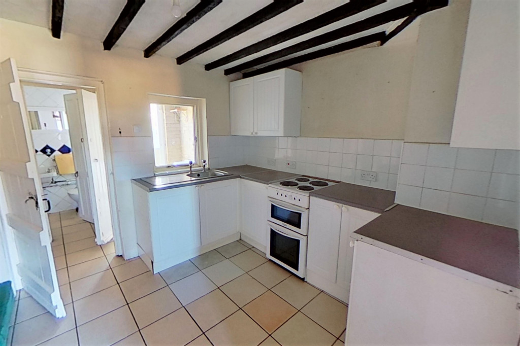 2 bed terraced house for sale in Loose Road, Maidstone 2