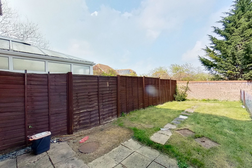 2 bed semi-detached house for sale in New Rectory Lane, Kingsnorth, Ashford  - Property Image 8