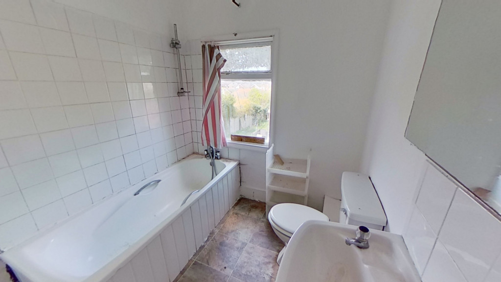 2 bed terraced house for sale in Queens Road, Maidstone 8