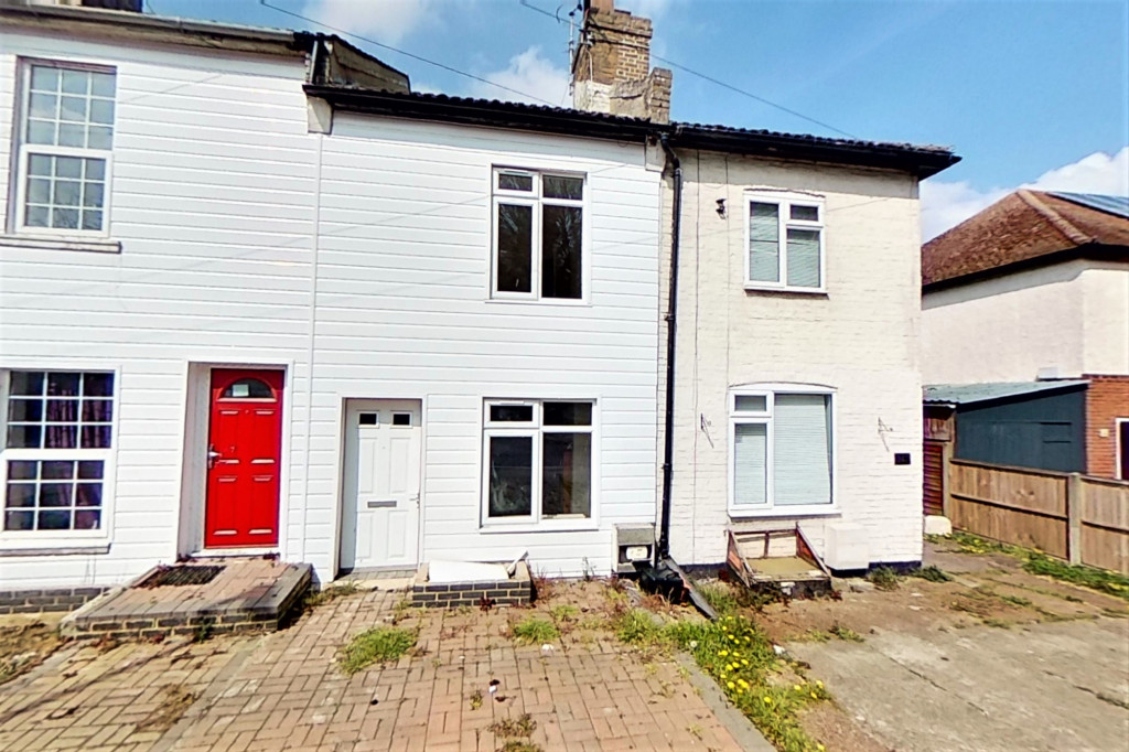 2 bed terraced house for sale in Queens Road, Maidstone  - Property Image 1