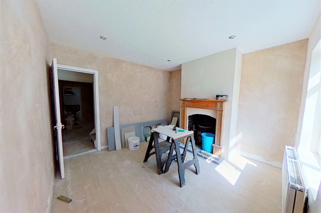2 bed terraced house for sale in Queens Road, Maidstone  - Property Image 2