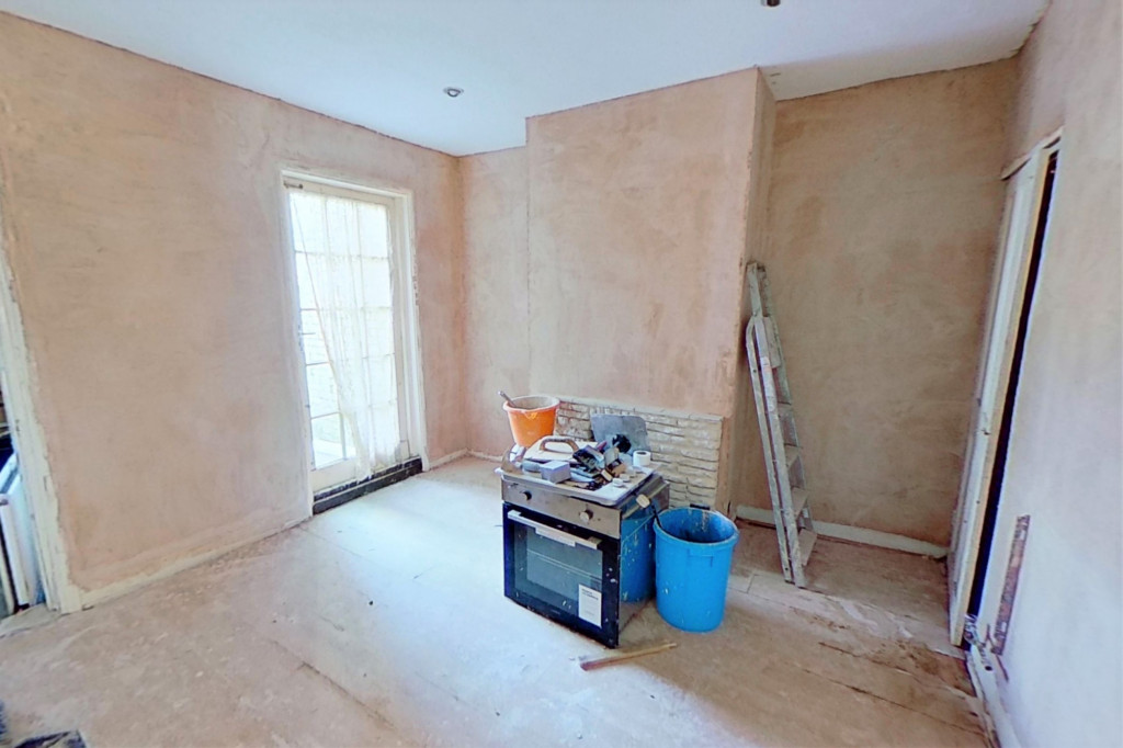 2 bed terraced house for sale in Queens Road, Maidstone  - Property Image 3