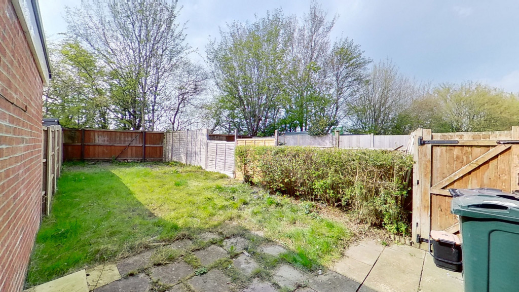 2 bed end of terrace house for sale in Park Wood Close, Park Farm, Ashford 0