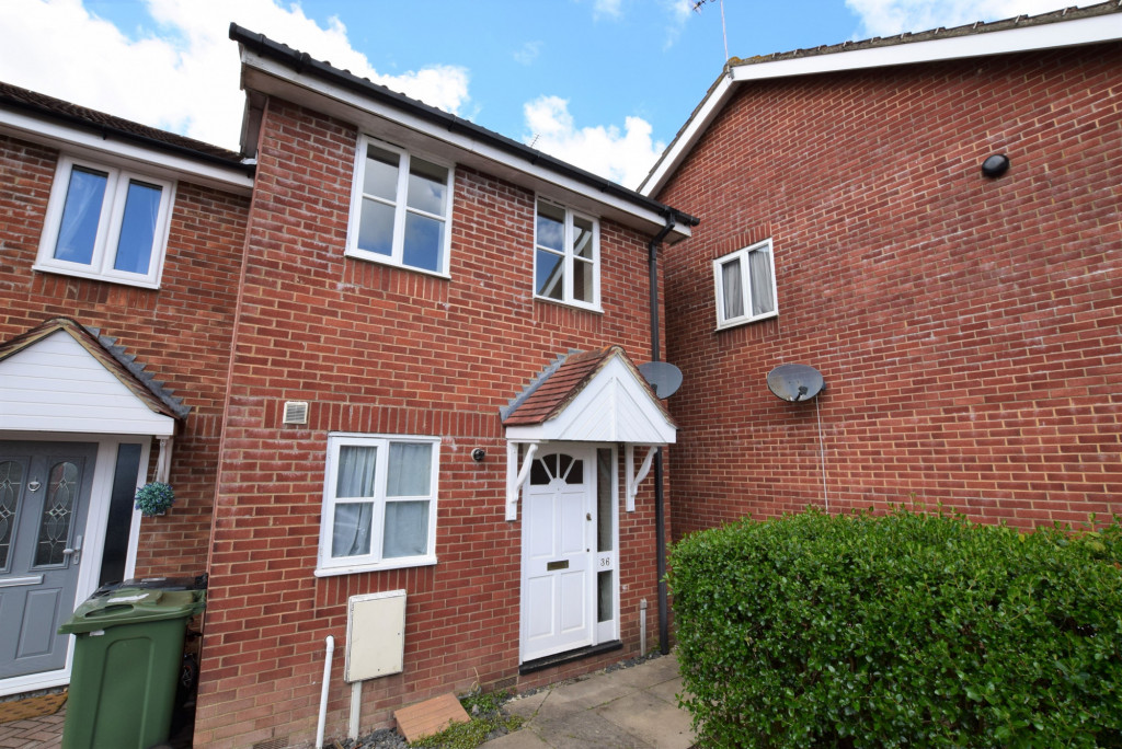2 bed end of terrace house for sale in Park Wood Close, Park Farm, Ashford 1