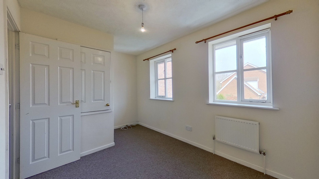 2 bed end of terrace house for sale in Park Wood Close, Park Farm, Ashford 7
