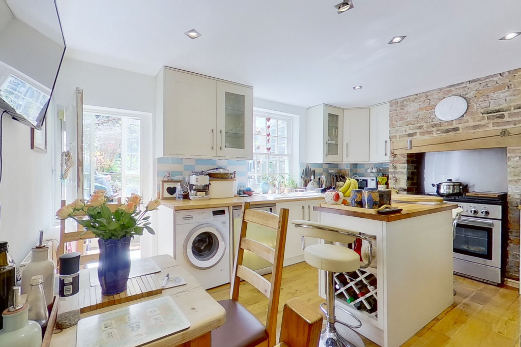 3 bed cottage for sale in Bushy Ruff Cottages , Alkham Road, Temple Ewell, Dover 5