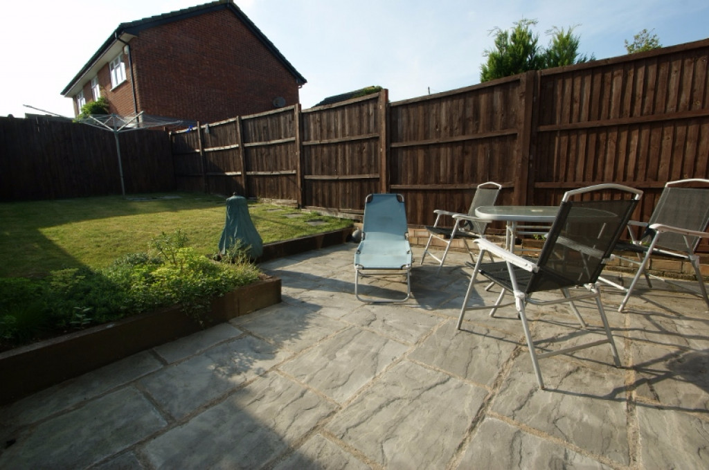 2 bed end of terrace house for sale in Duckworth Close, Willesborough, Ashford 8