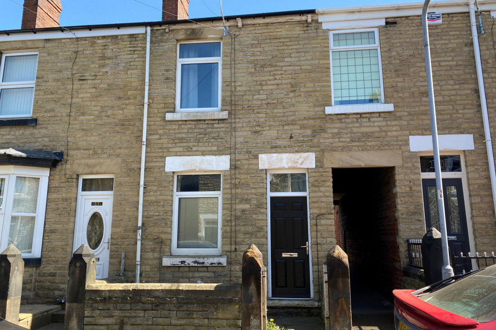 3 bed terraced house to rent in Beech Road, Rotherham - Property Image 1
