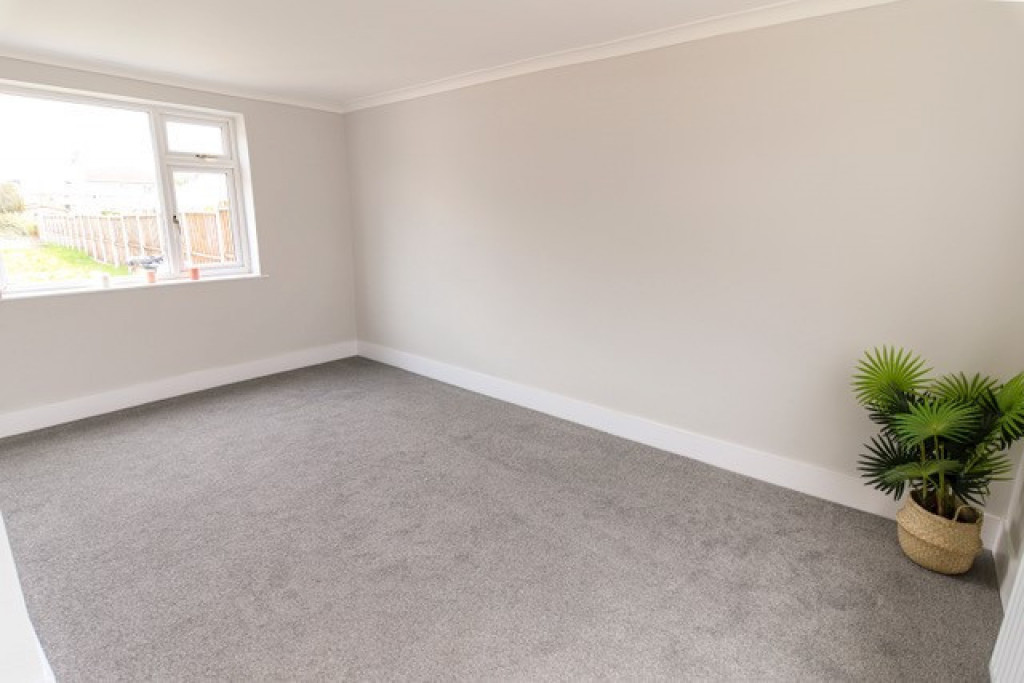 3 bed semi-detached house to rent in George Street, Skellow, Doncaster 1