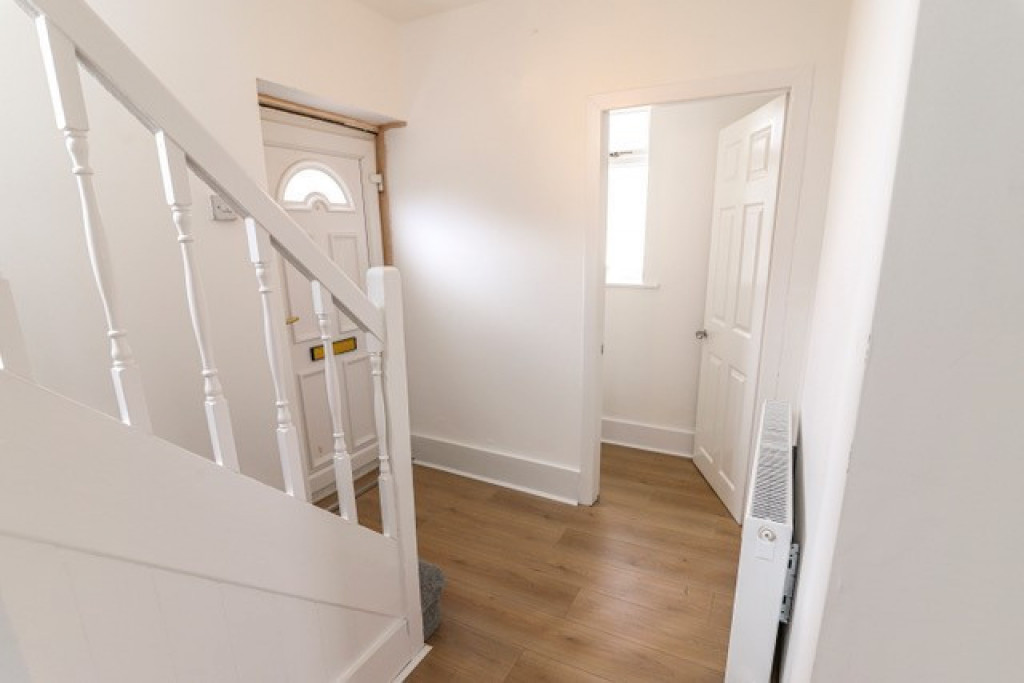 3 bed semi-detached house to rent in George Street, Skellow, Doncaster 8