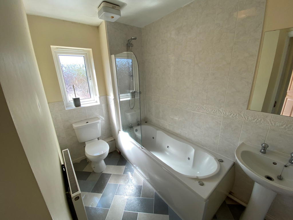 2 bed apartment to rent in Tuscany Villas, Doncaster Road, Barnsley  - Property Image 3