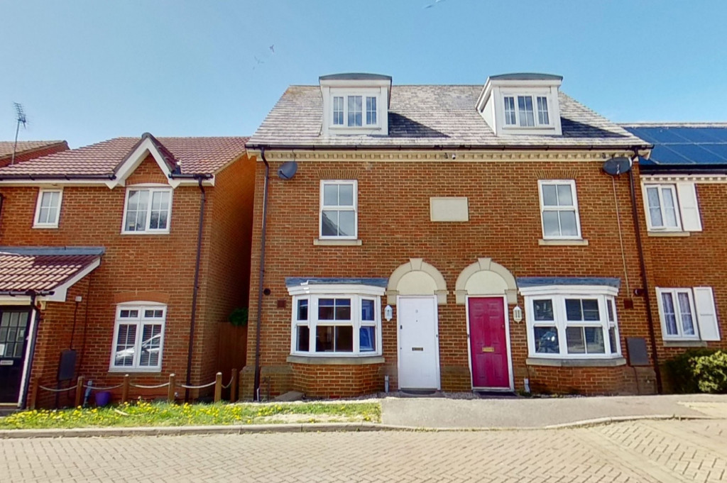 3 bed end of terrace house for sale in Octavian Way, Kingsnorth, Ashford  - Property Image 1