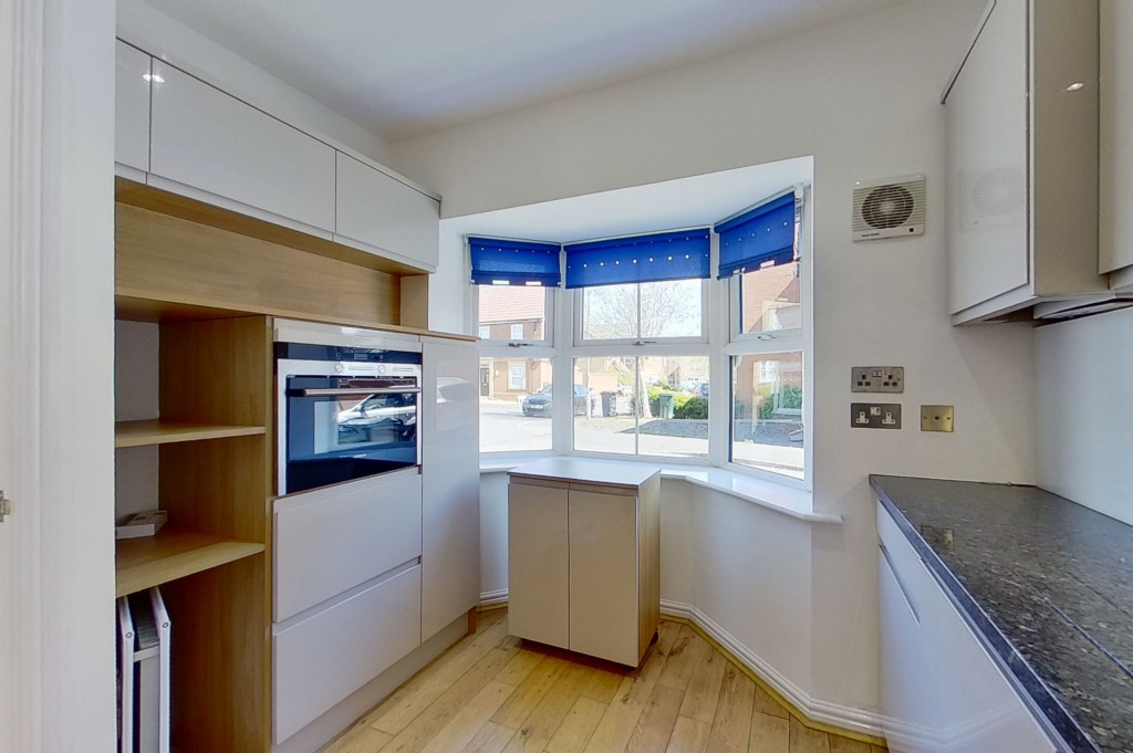 3 bed end of terrace house for sale in Octavian Way, Kingsnorth, Ashford  - Property Image 3