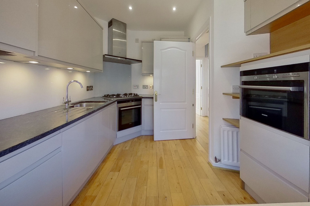 3 bed end of terrace house for sale in Octavian Way, Kingsnorth, Ashford  - Property Image 4