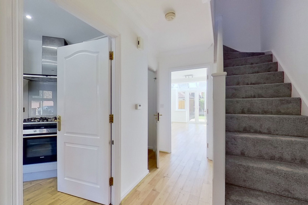 3 bed end of terrace house for sale in Octavian Way, Kingsnorth, Ashford  - Property Image 5