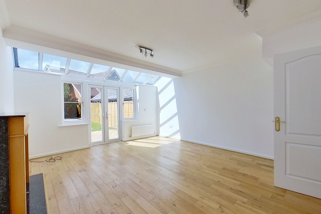 3 bed end of terrace house for sale in Octavian Way, Kingsnorth, Ashford 6