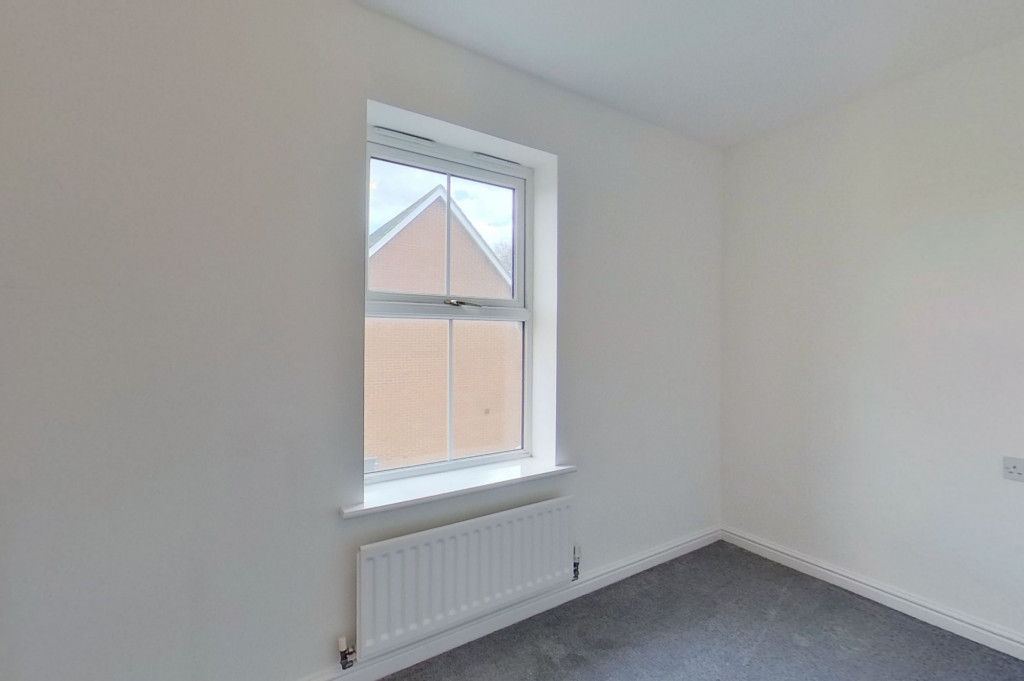 3 bed end of terrace house for sale in Octavian Way, Kingsnorth, Ashford  - Property Image 11