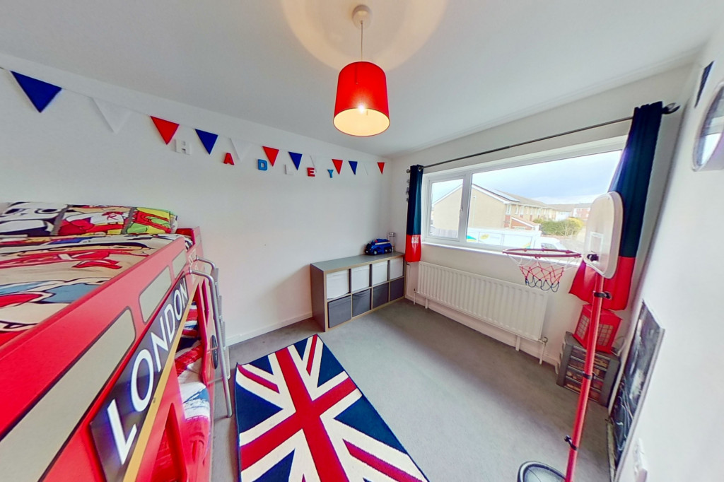 3 bed end of terrace house for sale in Newenden Close, Ashford 8