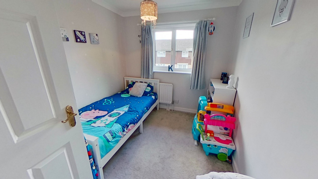 3 bed end of terrace house for sale in Newenden Close, Ashford 10